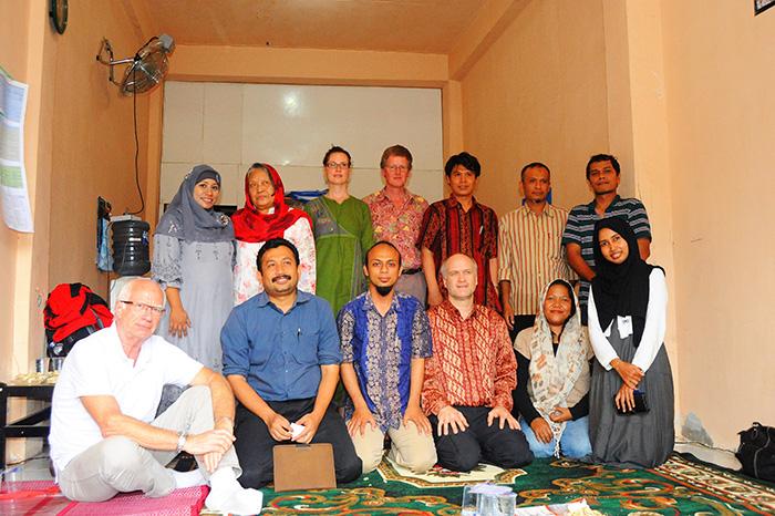 AC-Delegation-mit-Ernie-&-Leila-von-RPuK-&-RWTH-Alumni-in-Banda-Aceh